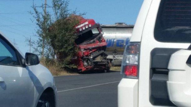 Жахлива аварія на трасі Одещини: Переповнена маршрутка влетіла у вантажівку, загинуло 9 осіб