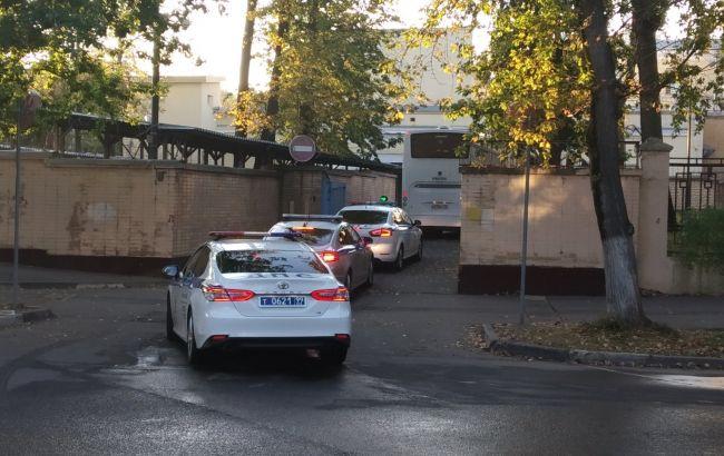 """Обмін полоненими: з СІЗО """"Лефотово"""" виїхали автобуси (фото, відео)"""