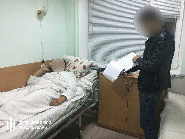 У Черкасах поліцейські відвезли на цвинтар та побили затриманого