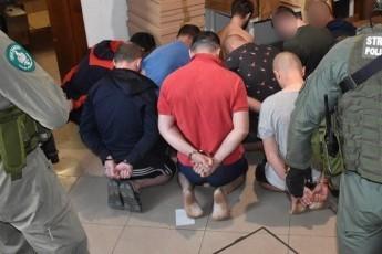 Майже 30 українців затримали у Польщі