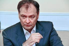 Інтим під столом: депутат від партії Медведчука у Раді переписувався одразу з трьома коханками (відео)
