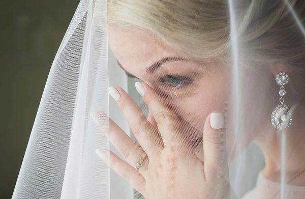 За день до весілля покинув наречену через іншу – вагітну