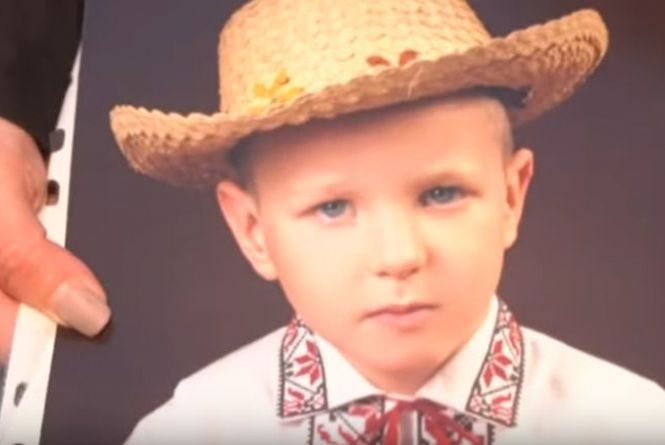 Трактор переїхав дитину на очах у батьків і брата: шокуючі подробиці трагедії на Хмельниччині (ВІДЕО)