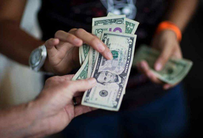 Грошей більше немає! З'явилося офіційне звернення до народу. Виплати для українців припинені