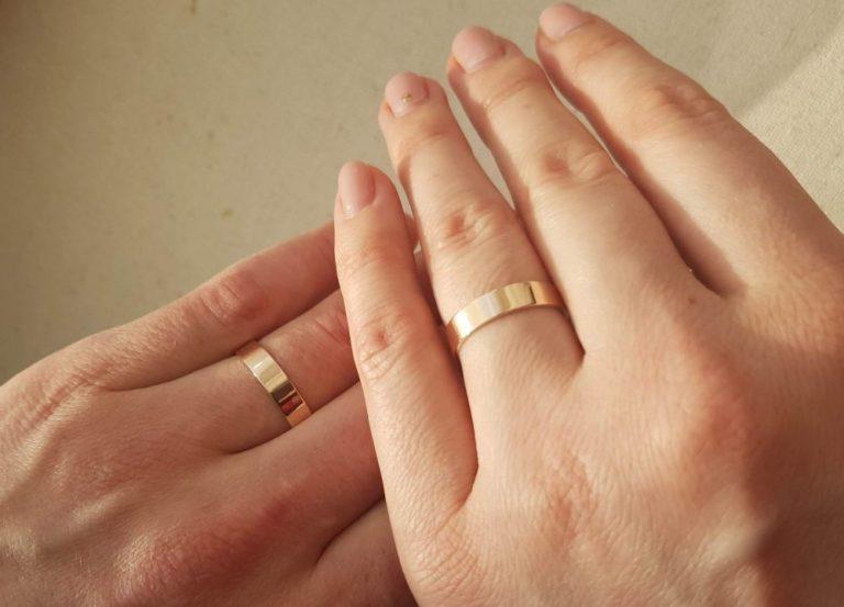 """Знали тільки найближчі. Зірковий """"холостяк"""" України одружився. Фото щасливих молодят потрапили в Мережу"""