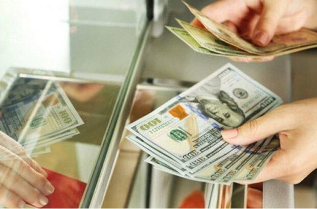 """""""Світова криза"""": експерти розповіли, яким в Україні буде курс долара у 2020 році"""