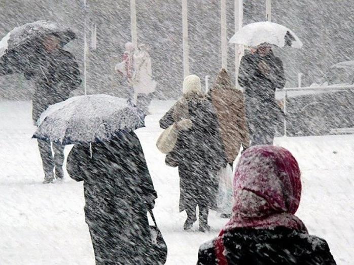 Рятувальники попереджають про сніжні бурі та погіршення погоди в Україні