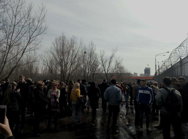 Переполох у Харкові, тисячі людей опинилися на вулиці: що сталося