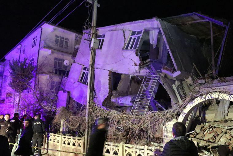 У Туреччині стався землетрус: загинули 14 людей, поранених щонайменше 225
