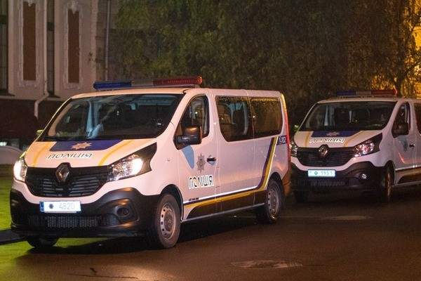 Із порізаною шиєю дістався до кафе: в Києві за дивних обставин помер ветеран АТО