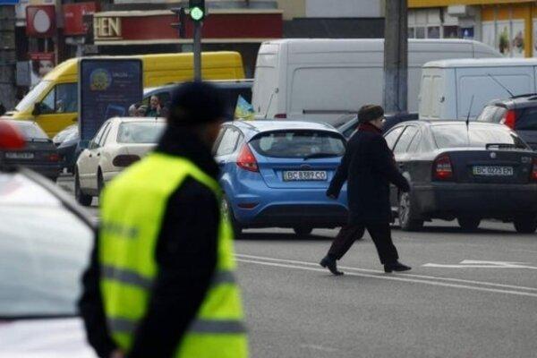 В Україні штрафи для пішоходів-порушників піднімуть втричі: названі суми