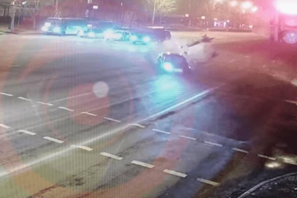 У Дніпрі водій, тікаючи від поліції, зніс трьох пішоходів: жорстке відео