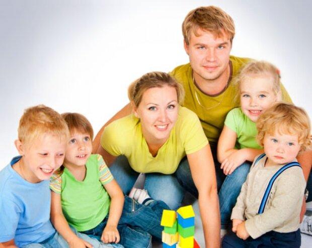 Які пільги багатодітним сім'ям є в Україні: весь перелік