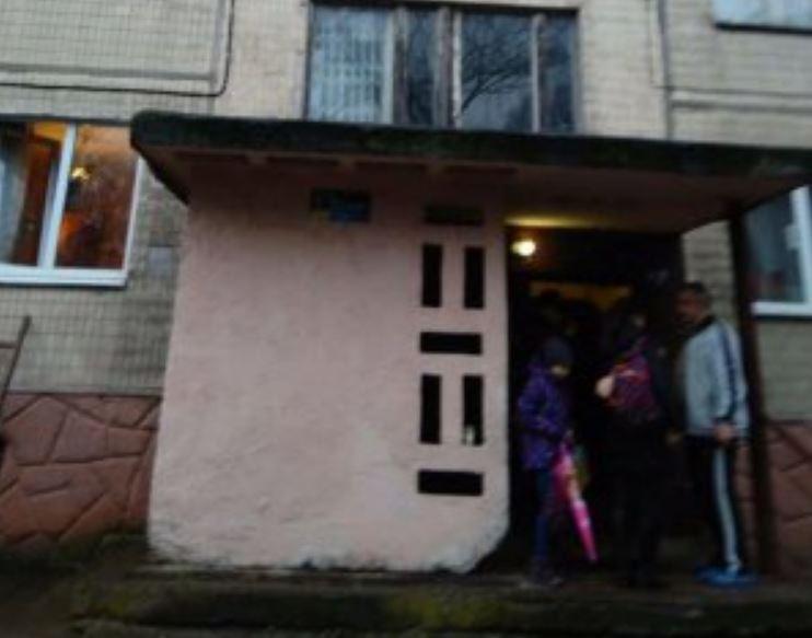 """""""Понівечені тіла заховав у підвалі"""": У Львові чоловік жорстоко розправився з рідною матір'ю і її сестрою"""