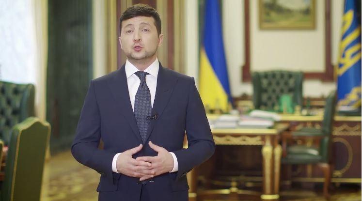 Усі українські школи переводять у режим онлайн: уроки проводитимуть в Інтернеті та по телевізору