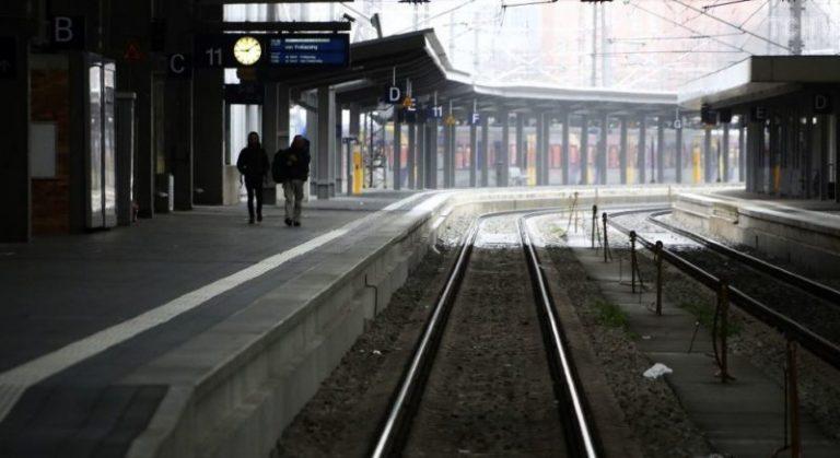 Чоловік облизував поручні у метро для поширення коронавірусу