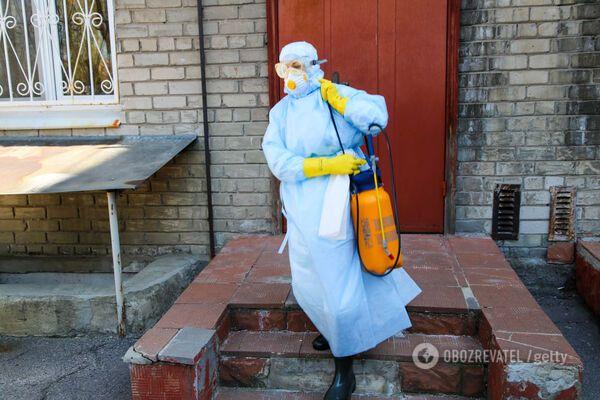 Приховала правду і заразила лікарів: на Івано-Франківщині розповіли про бездумний вчинок українки