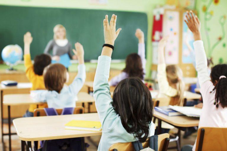 У МОН повідомили, чи продовжать навчальний рік через карантин