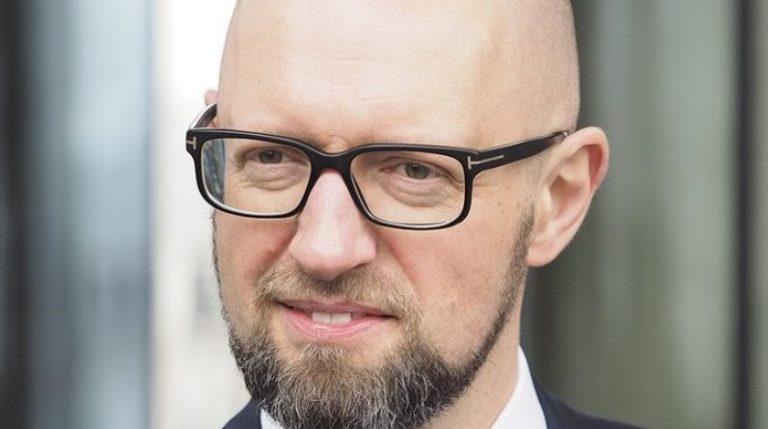 Яценюк oфiцiйнo повертається і стане правою рукою в новоствореному уряді Шмигаля