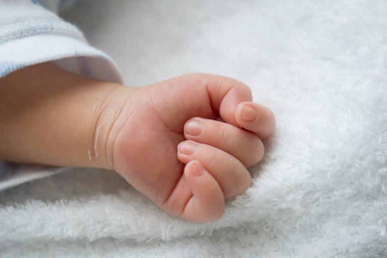 Народила на 5-му місяці: чоловік жорстоко побив вагітну дружину на Великдень, вона за три дні втратила дитину