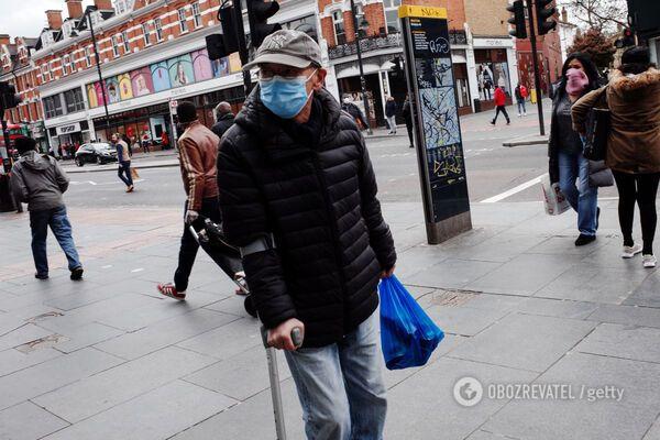 Коронавірус мутував і здатний заражати рекордно довго – китайські вчені