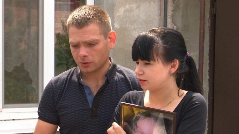 Однорічну дитину в Запоріжжі таки вбили: її подушкою душила вихователька(відео)