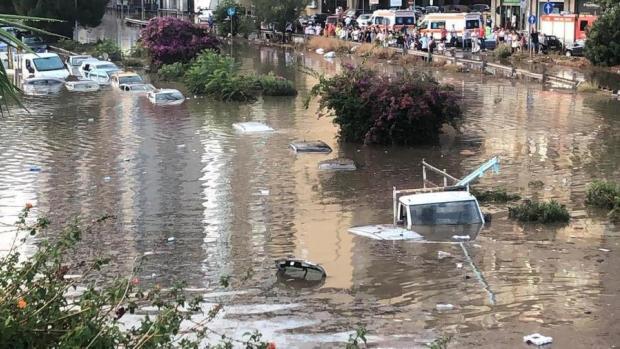 Наслідки жахнули всіх: На Італію обрушилася найпотужніша з 1790 року злива (фото, відео)