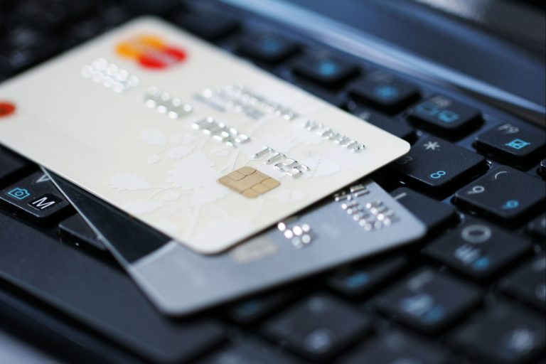 Банки можуть самостійно закрити рахунок без відома клієнтів