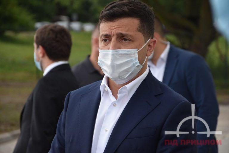 Які зарплати у президента України, прем'єра і міністрів: названо суми