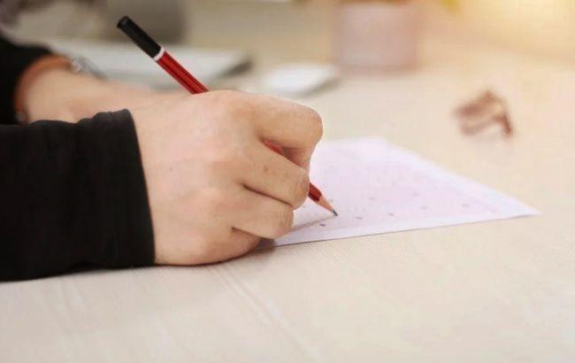 В Україні зміниться формат ЗНО з української мови та літератури з 2021