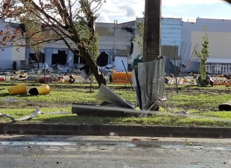 У Кропивницькому ураган зірвав дахи з будинків (ФОТО, ВІДЕО)