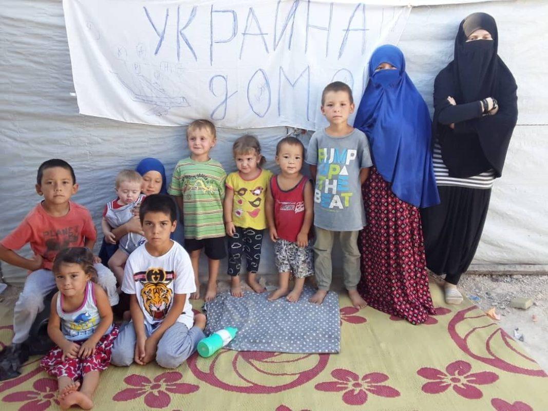 Українські діти хочуть додому в Україну.