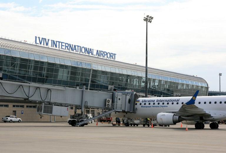 """Усі аеропорти України скоро прийматимуть застосунок """"Дія"""" – Мінцифри"""