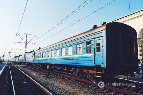 Під Одесою підліток кинувся під потяг