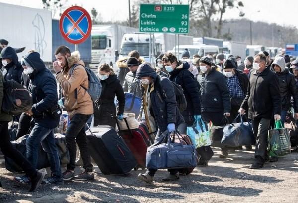 Для українських заробітчан змінили умови в'їзду у Польщу