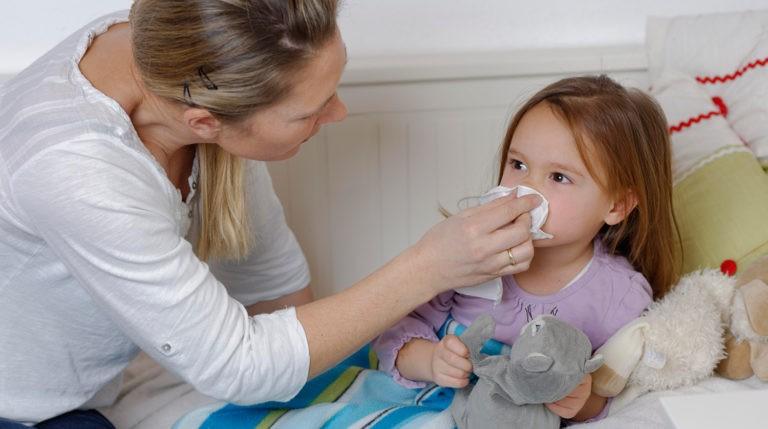 Загадка пандемії. Вчені пояснили, чому діти легше переносять коронавірус