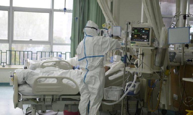 Українець помер від COVID-19, віддавши свій кисень синові: волонтерка звернулася до влади