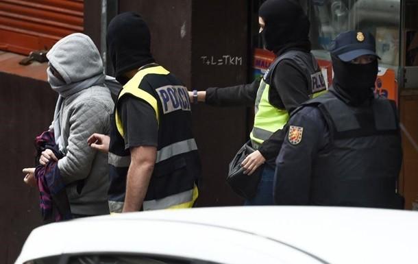 В Іспанії затримали банду українців, які незаконно продавали зброю та танки (відео)