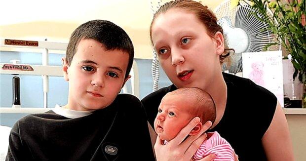 Мама і тато в 12: як живуть наймолодші батьки, історія яких сколихнула світ