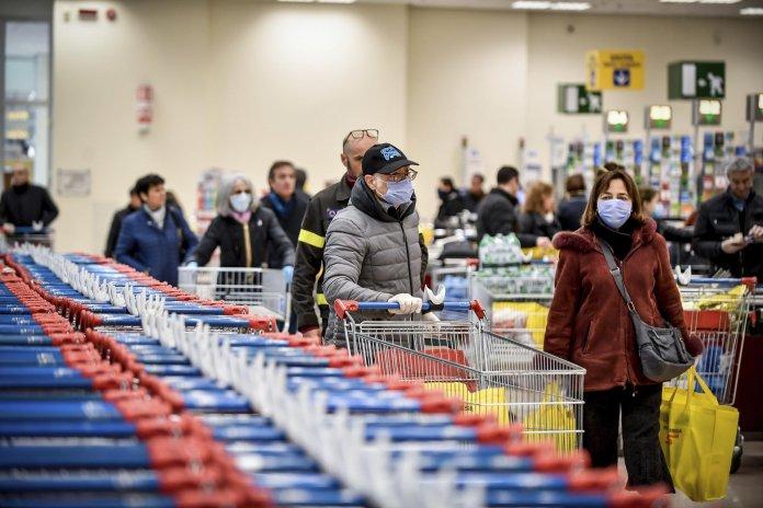 В Україні почали штрафувати через відсутність масок за новими правилами: що змінилося