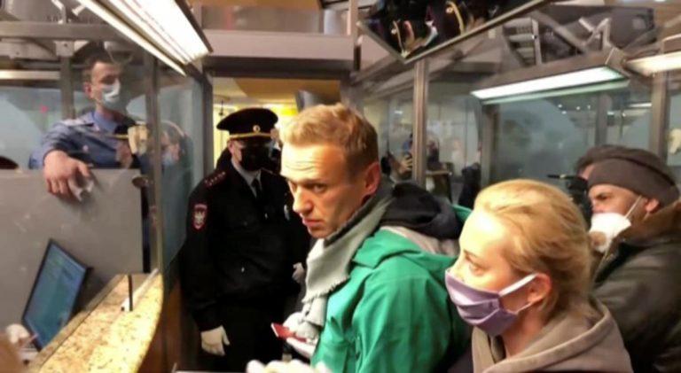 «Я щасливий, що прилетів»: Навальний зробив заяву перед затриманням