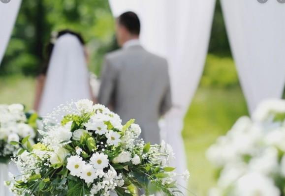 Відома українська телеведуча влаштувала розкішне весілля на Мальдівах (відео)