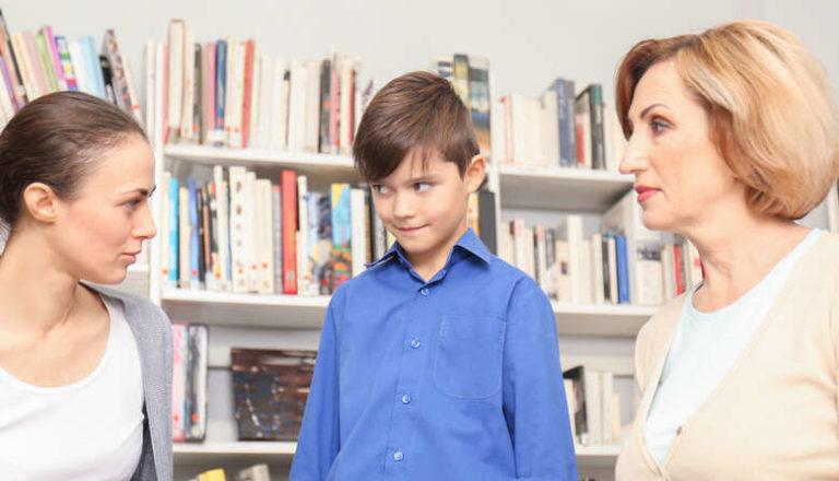 Обов'язки мають не лише вчителі: освітній експерт про те, яких правил повинні дотримуватись батьки учнів