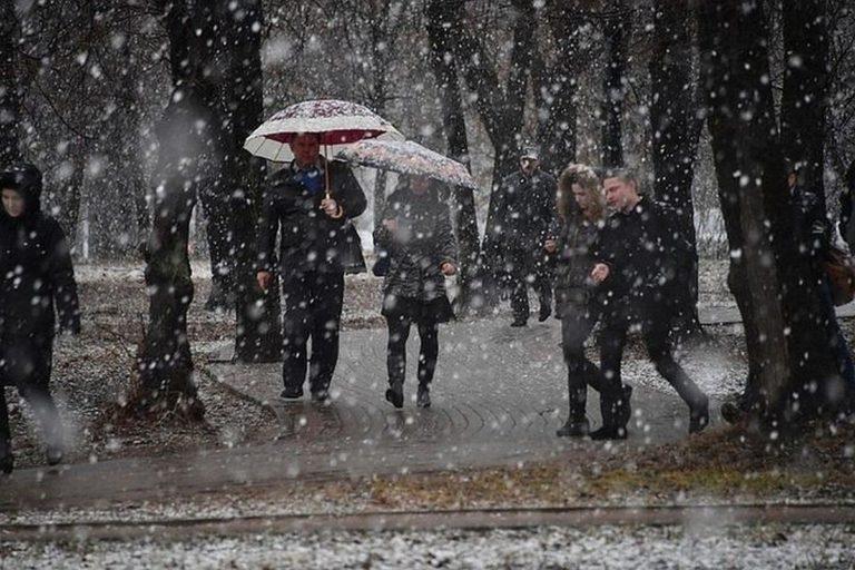 Сніг та мінусова температура: з'явився оновлений прогноз погоди