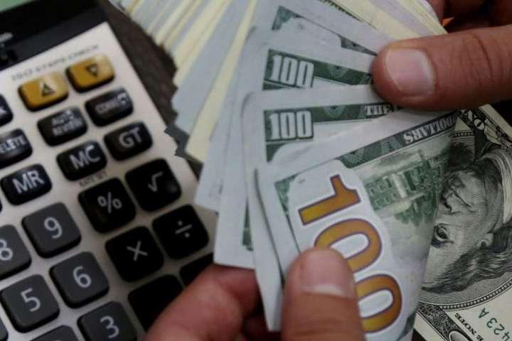 """Українцям готують """"сюрприз"""" з грошовими переказами: що зміниться і кого торкнеться"""