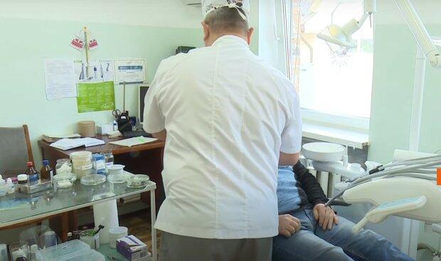 Лікарям не доведеться платити: список безкоштовних медичних послуг, котрі покриваються з бюджету