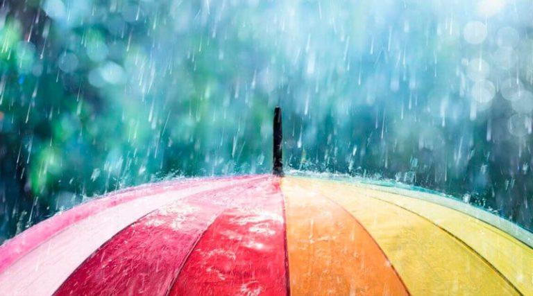 Після потепління Україну накриють дощі і грози: прогноз погоди до кінця травня