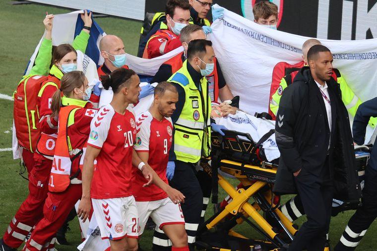 Футболіст збірної Данії втратив свідомість під час матчу Євро-2020