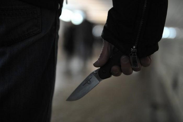 """Чотири ножових і до зустрічі """"на тому світі"""": 17 років подружнього життя закінчилися різаниною. ВІДЕО 18+"""