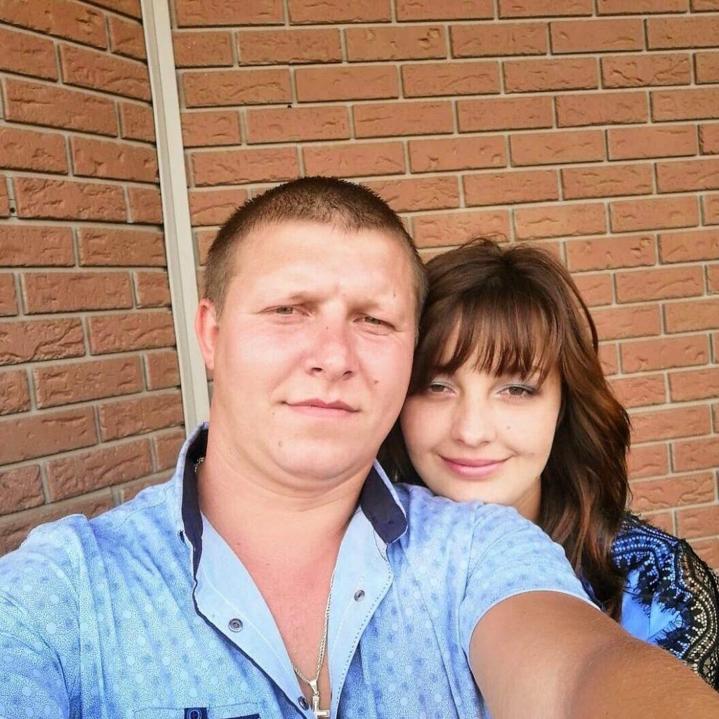 Їй було лише 23, йому 26. Жaхлива тpaгедія забрала життя молодого подружжя. Двоє синочків залишились сиротами